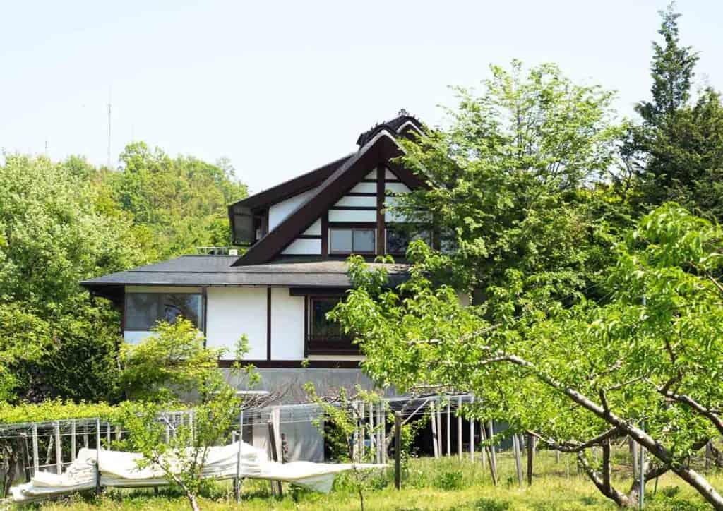 performer japan headquarters house